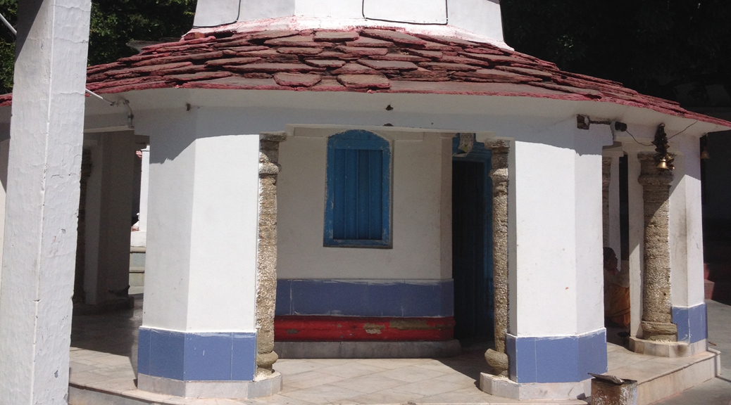Indien // Tempel beim Baum der Erkenntnis